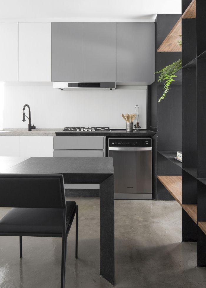 Modern apartment with black iron frame - Interior Design Ideas